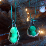 Guest Blogger: Pea in a Pod Ornament