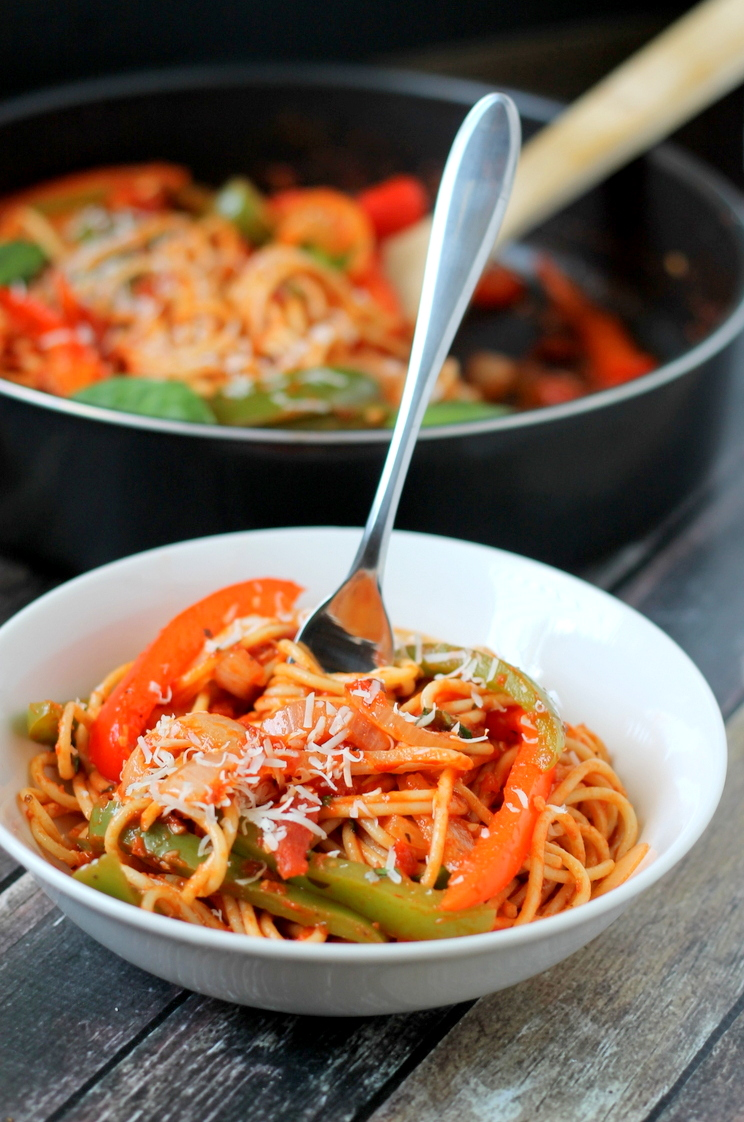 Spaghetti with peppers and onions makes the perfect weeknight meal!