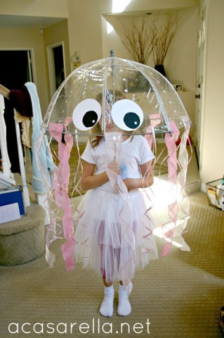 Acasarella - DIY Jellyfish Costume