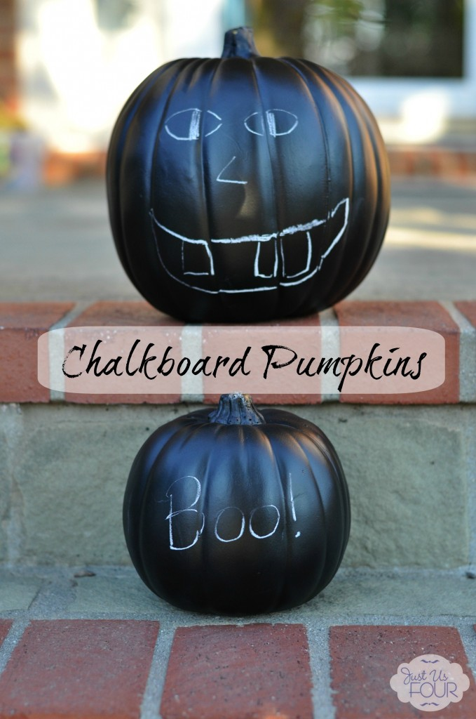 Chalkboard Pumpkins on Steps with label_wm