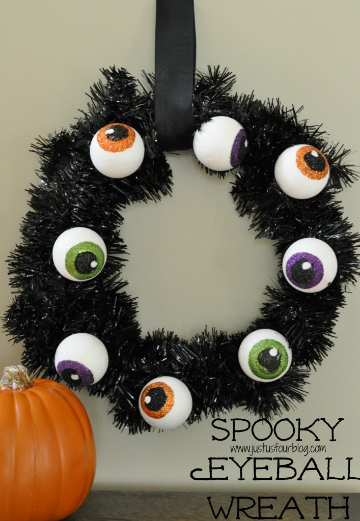 Spooky Eyeball Wreath with Label