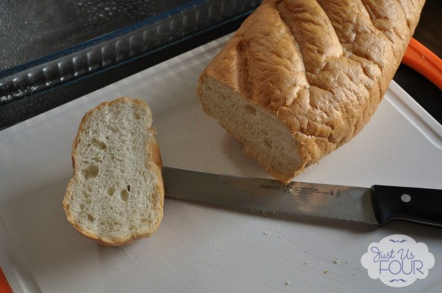 sliced french bread_wm