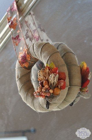 Burlap Wreath Angle View_wm