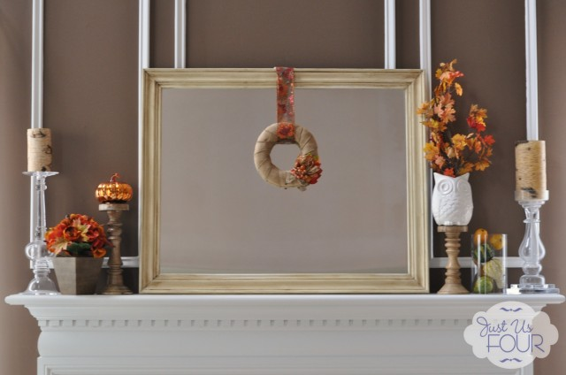 Burlap Wreath on Mantel_wm