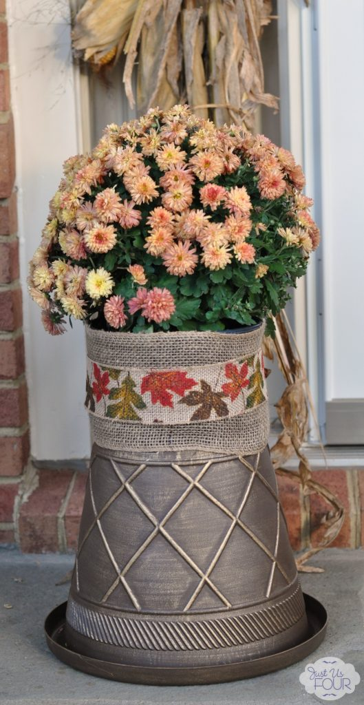 Fall Mums on Stand_wm