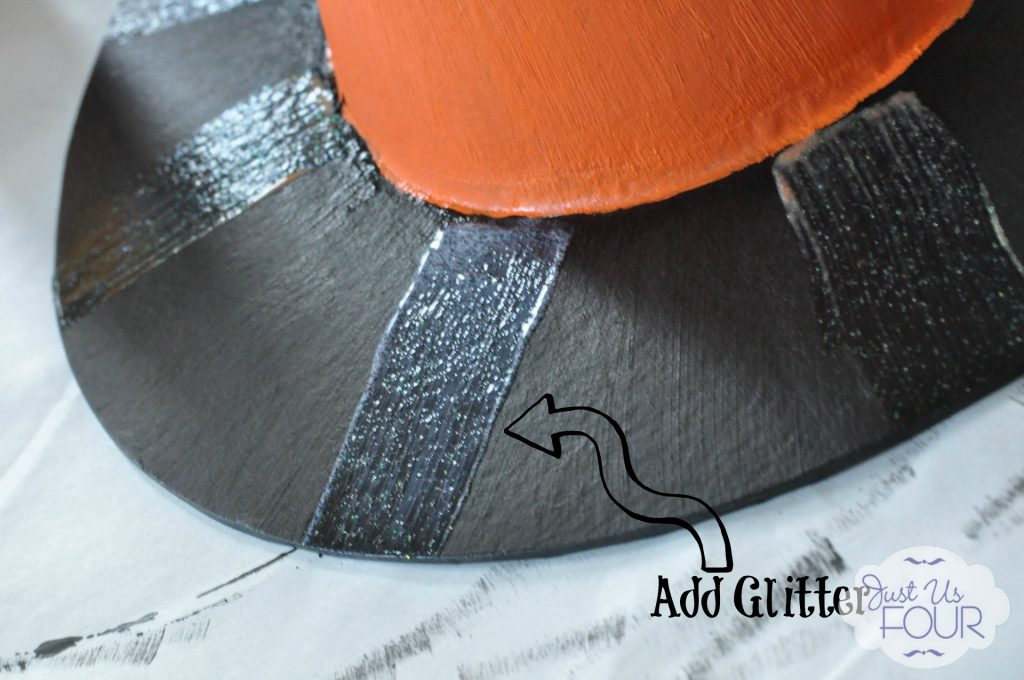 Glitter on Hat with Label_wm