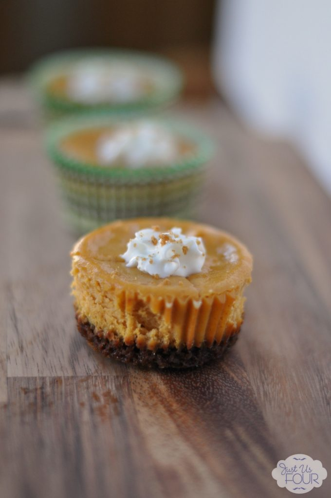 Pumpkin Cheesecake Bites #recipes #desserts #minidesserts