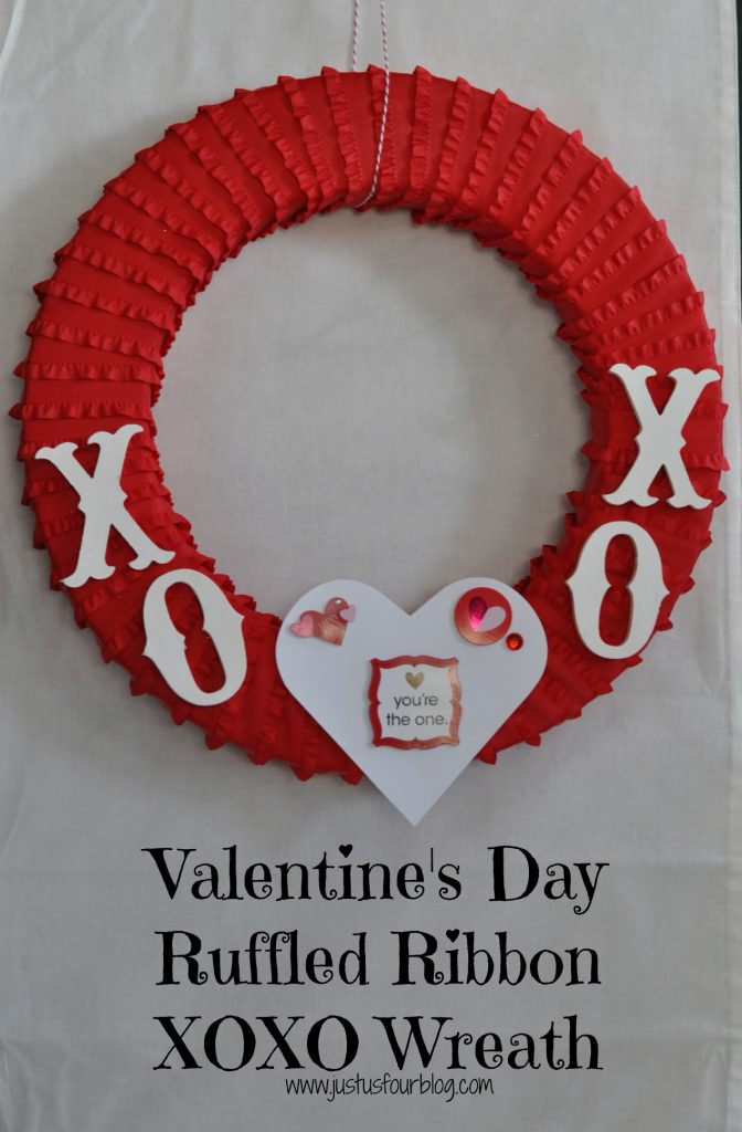 Valentine's Day Ruffled Ribbon Wreath #crafts #valentinesday