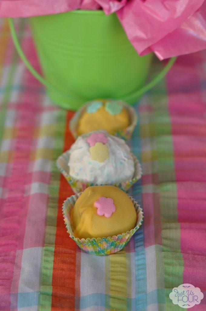 Spring Oreo Truffles #recipe #desserts #creativebuzz