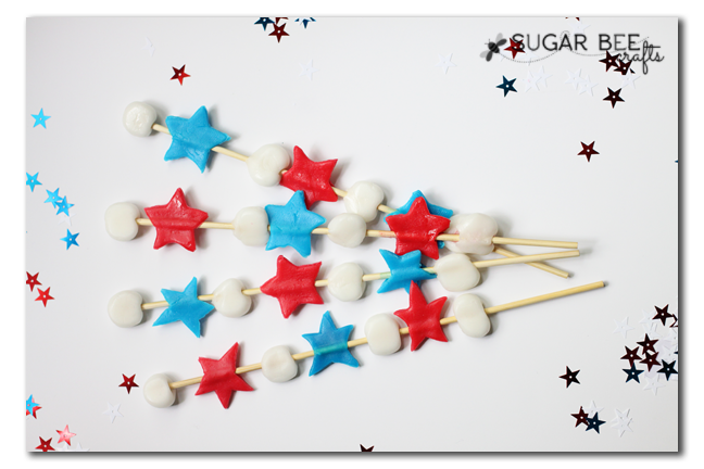 05 - Sugar Bee Crafts - July 4th Candy Kabobs