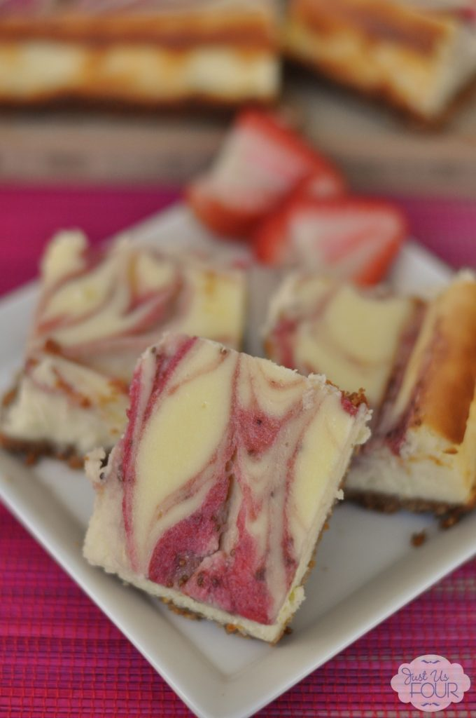 It's like a lemonade stand in a dessert! Love these strawberry lemonade cheesecake bars.
