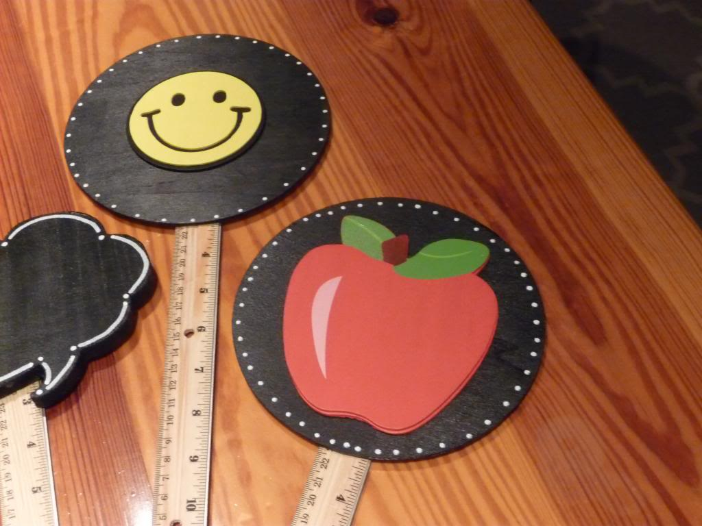 11 - Mrs. Patton's Patch - Back to School Photo Props
