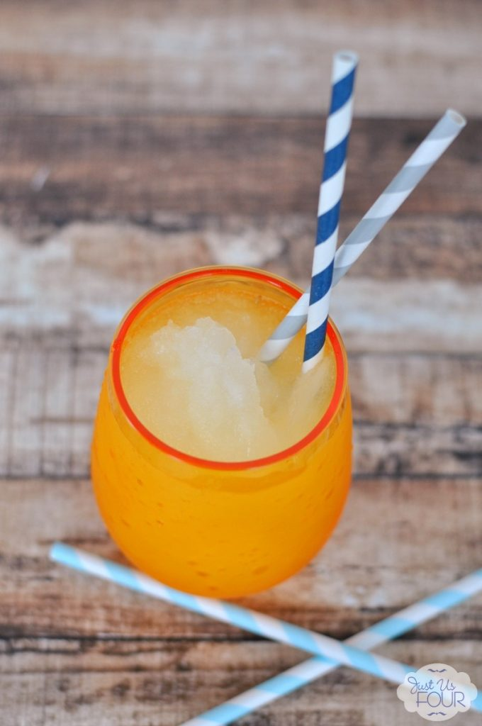 Definitely trying this white wine slushie made with moscato!