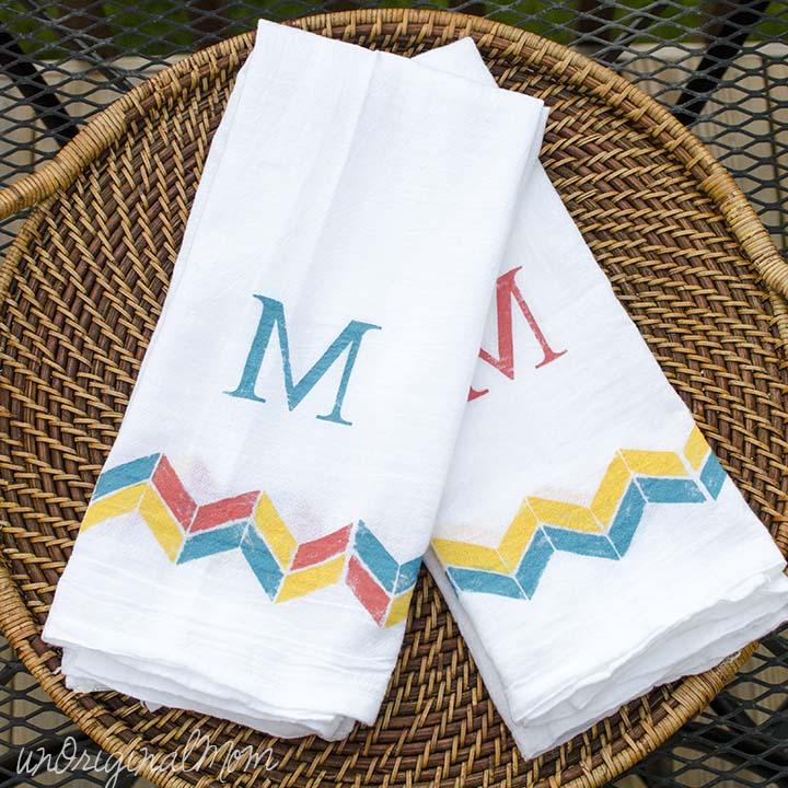 Tea Towels Unique: Stenciled Tea Towels {Guest Post}