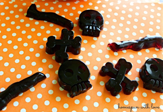 06 - Homespun with Love - Halloween Gummies