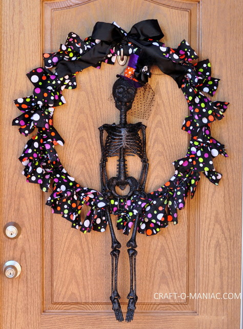 10 - Craft-o-Maniac - Skeleton Wreath