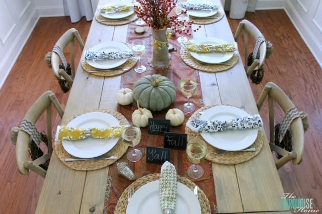 19 - The Turquiose Home - Pumpkin Centerpiece