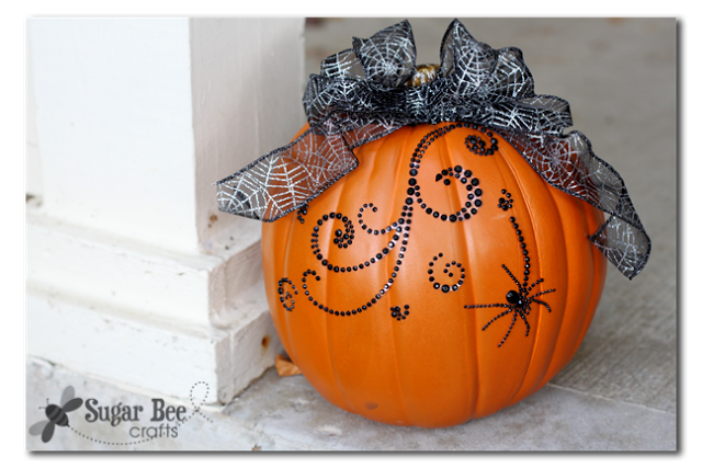 24 - Sugar Bee Crafts - Blink Pumpkin