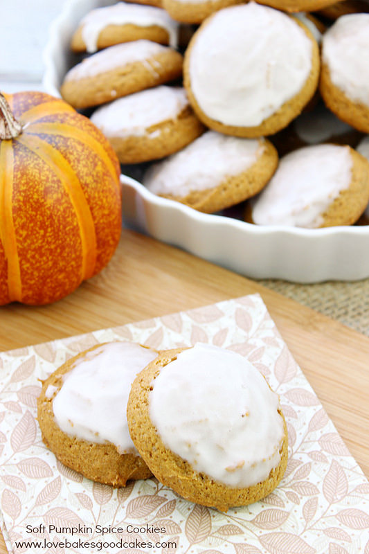 34 - Love Bakes Good Cakes - Soft Pumpkin Spice Cookies