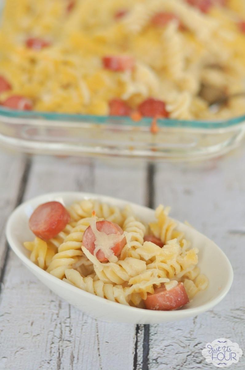 White Cheddar Macaroni And Cheese Recipe: White Cheddar Macaroni And Cheese With Hot Dogs