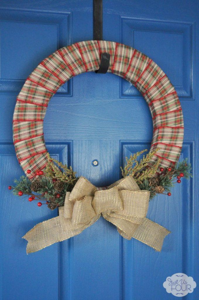 Easy plaid and burlap Christmas wreath