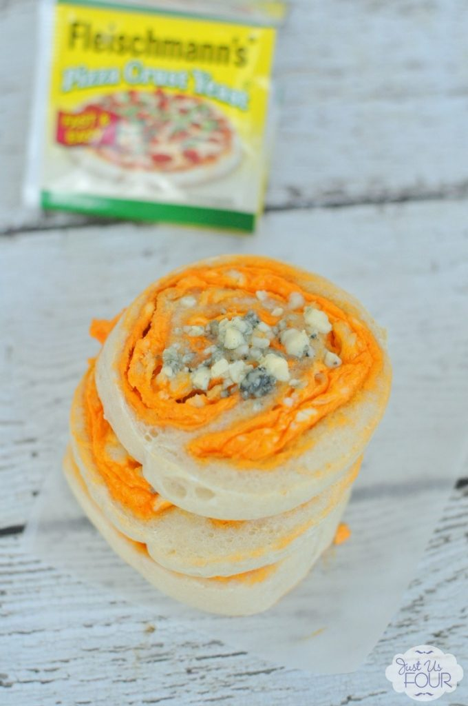 The best game day food: buffalo chicken pinwheels