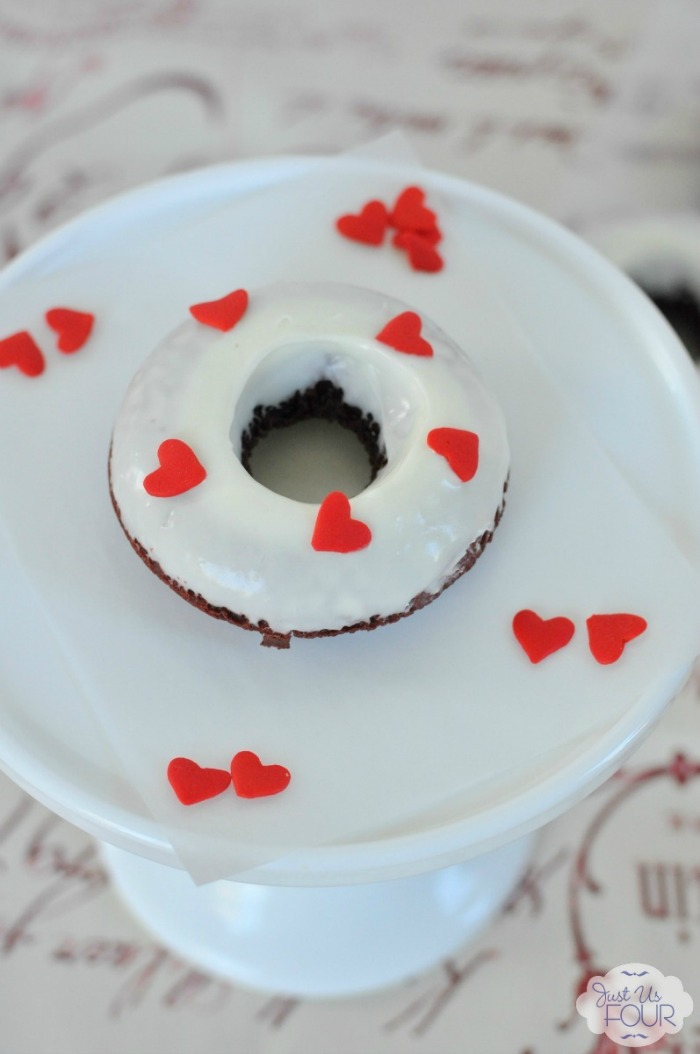Super simple to make and so cute! I love the idea of red velvet donuts for Valentine's Day!