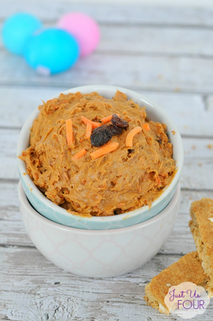 This three ingredient carrot cake dip would be perfect for Easter! Yum!