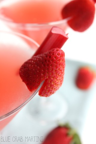 Cheers to spring with this delicious Strawberry Rhubarb Cosmopolitan! #cosmo #rhubarb #spring #cocktail | Blue Crab Martini