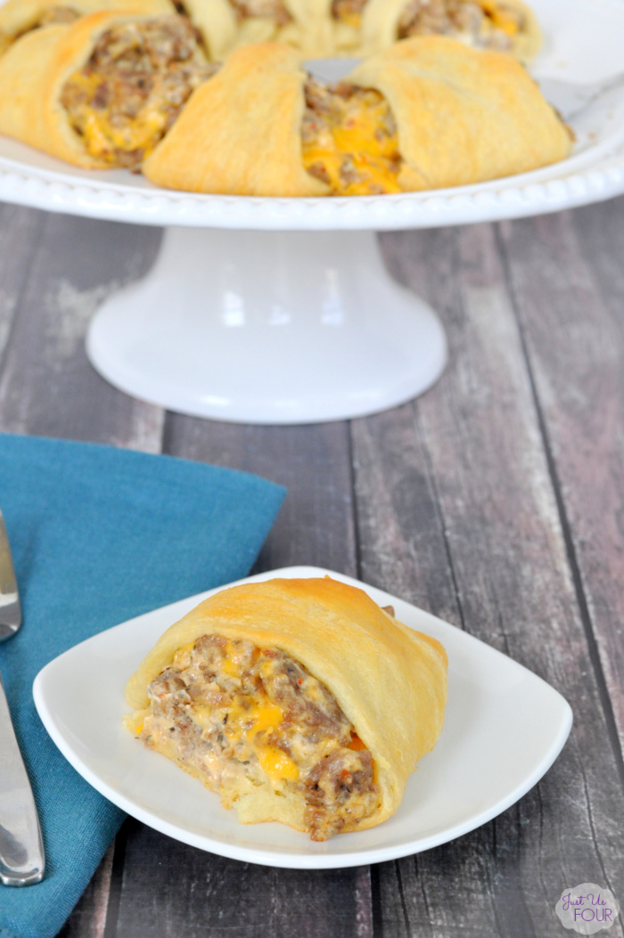 Cheesy Sausage Crescent Ring
