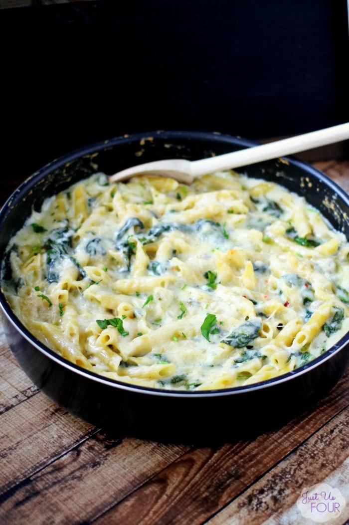 One Pot Spinach Artichoke Pasta