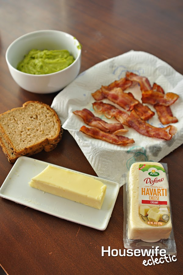 05 - Housewife Eclectic - Bacon Guacamole Grilled Cheese