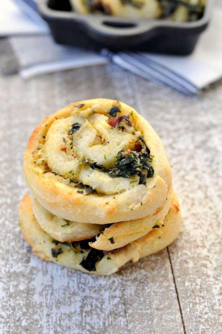 Bacon Spinach Pizza Roll Ups