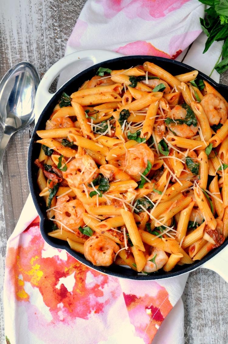 15 Minute Tomato Basil Pasta