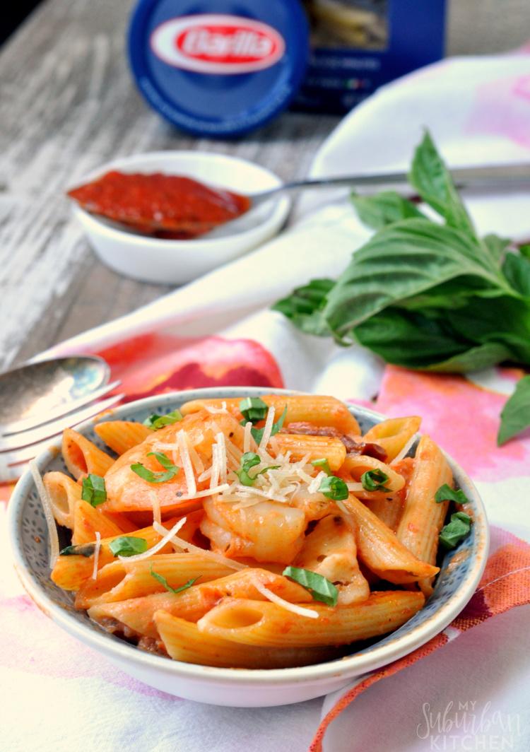 15 Minute Tomato Basil Mozzarella Pasta