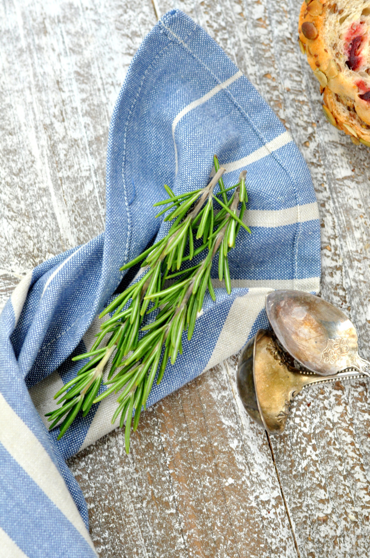 Photo of fresh herbs wrapped in napkin
