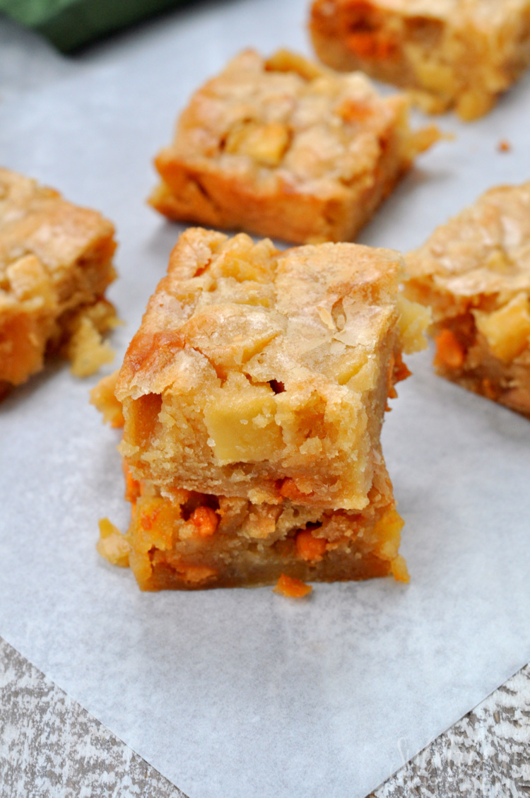 Bourbon Apple Blondies